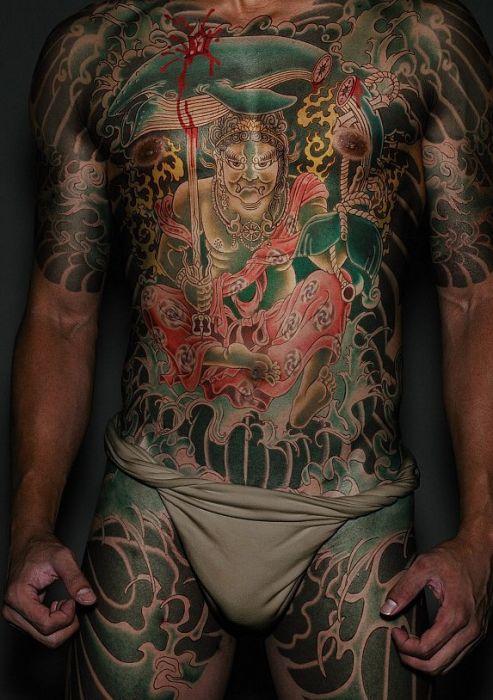 Только для вас - татуировки на спине у парней. Вернуться.