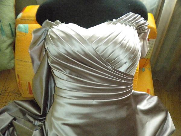 Как сшить грудь платья