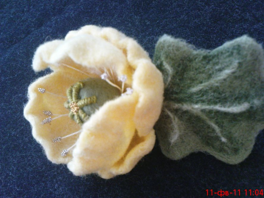 Сваляны на каркасе из натуральной шерсти сухим методом валяния.