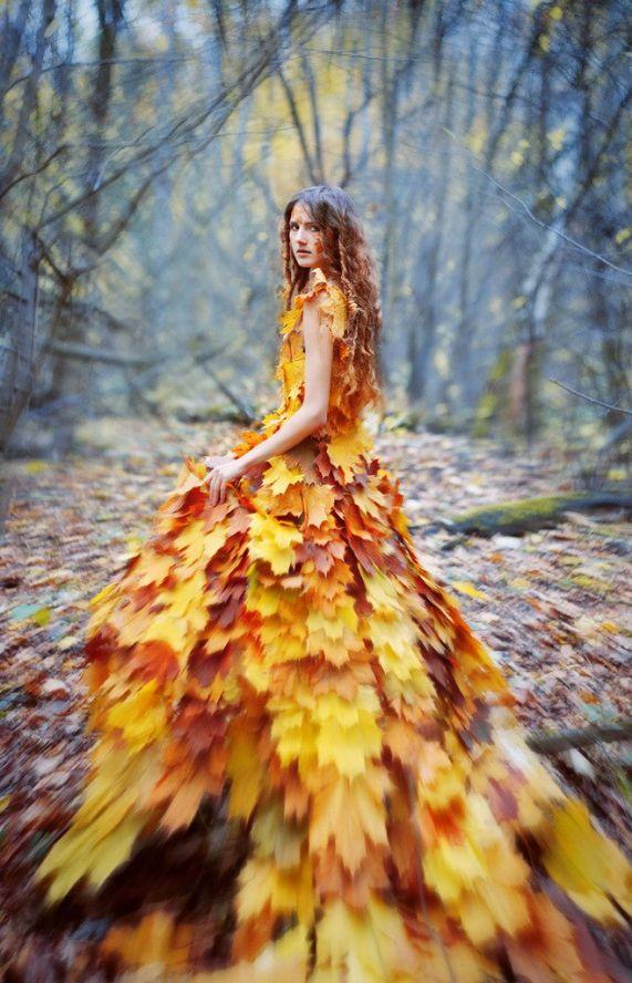 Платье с листьев на осенний бал