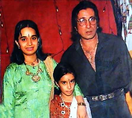 Санджай датт и его жена и дети фото