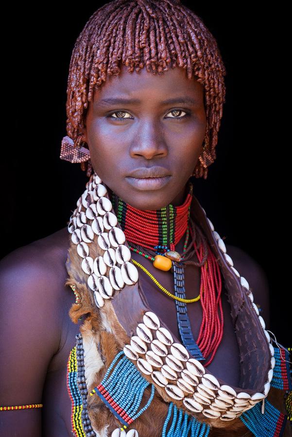 Красивые девушки из племени, бодиарт красивых девушек