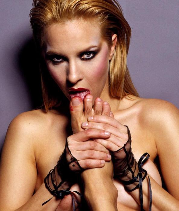 Секс пальчики ног фото крупно 17 фотография