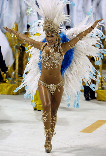 бразильские танцы на карнавале отводит влагу