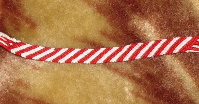 Как плети фенечки прямым плетением.
