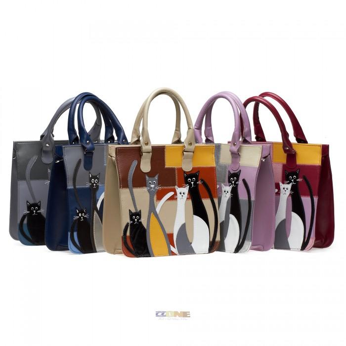 Случайно обнаружила, что в Питере есть потрясная фирма, которая делает совершенно нереально красивые сумки с...