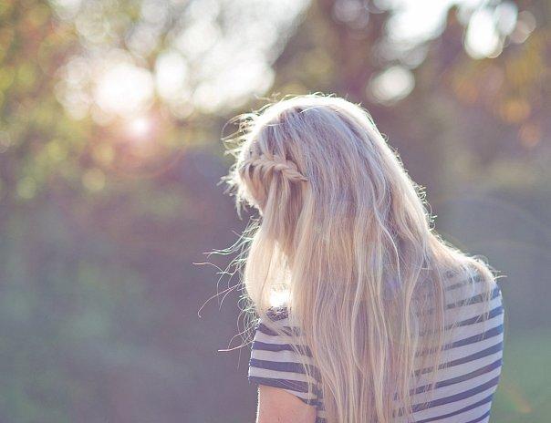 Фото девушек блондинок со спины. image-2500.