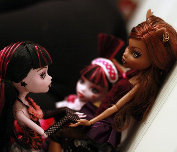 Картинки монстр хай куклы дракулаура и клодин сейчас