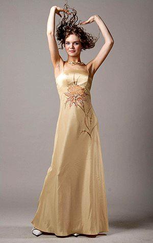 Зачастую длинна бального платья - до пола, лиф с корсетом на шнуровке...
