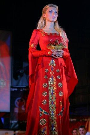 Выбор недели 28 мая- 10 июня 2009.  Платье эпохи средневековья.