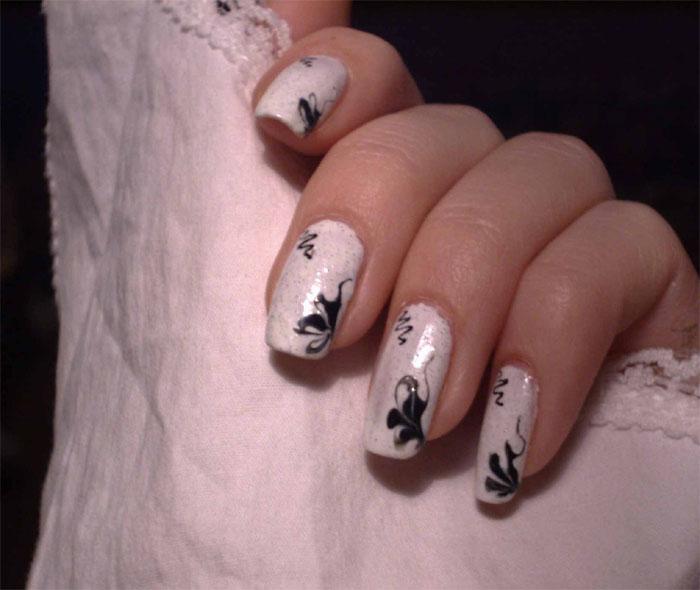 рисунки гелевой ручкой на ногтях фото