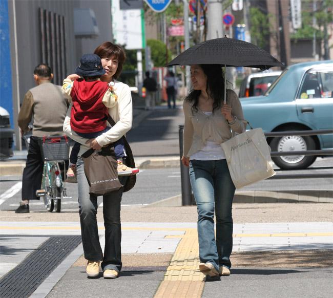 Японок заставляют раздеваться 24 фотография