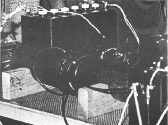 Этот элемент цепи, вероятно, принимал разряд от конверсионной элементной переключающей трубки, и индуктивно связан с...