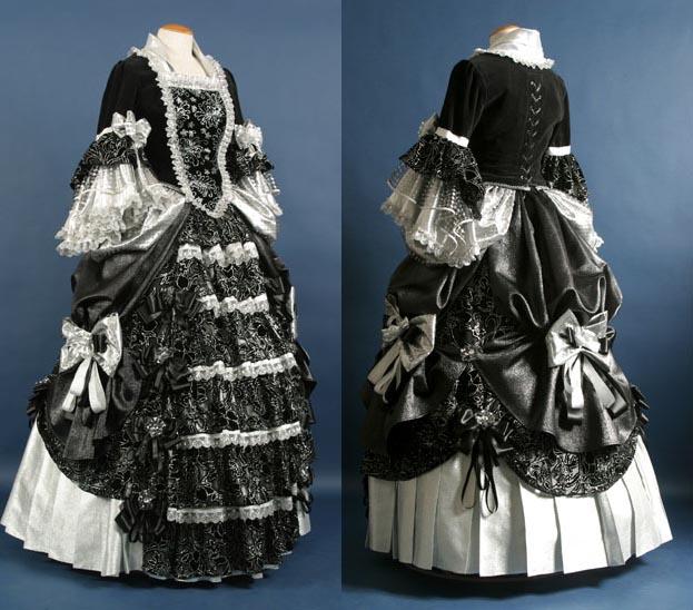 Домики - это интересно. . Дамы, несколько старинных платьев