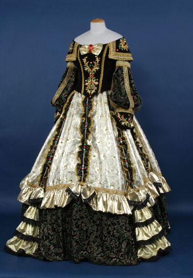 Частная коллекция Марины Ивановой: подлинные старинные платья и дамские аксессуары (1800-1920