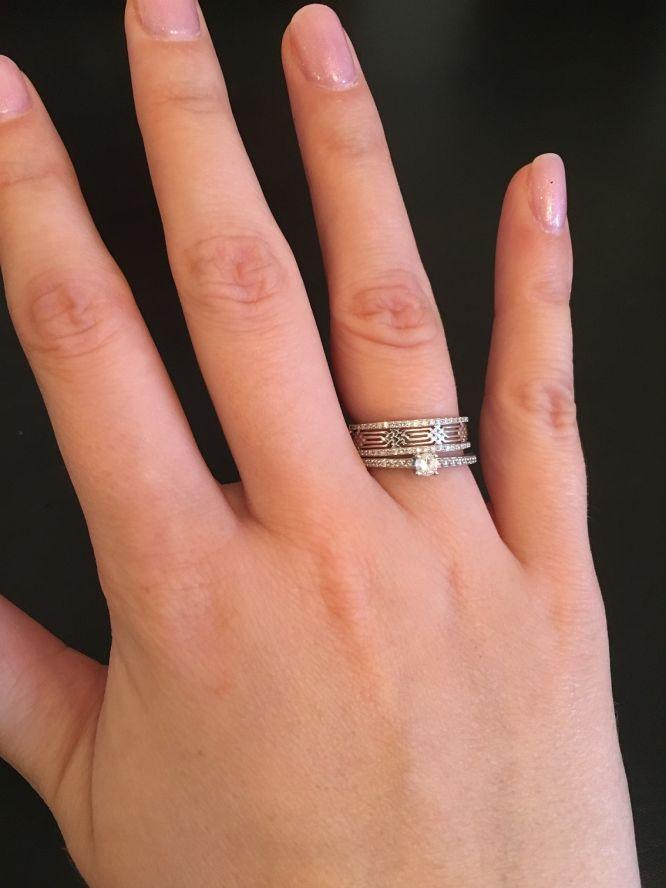 Кольцо помолвочное и обручальное вместе