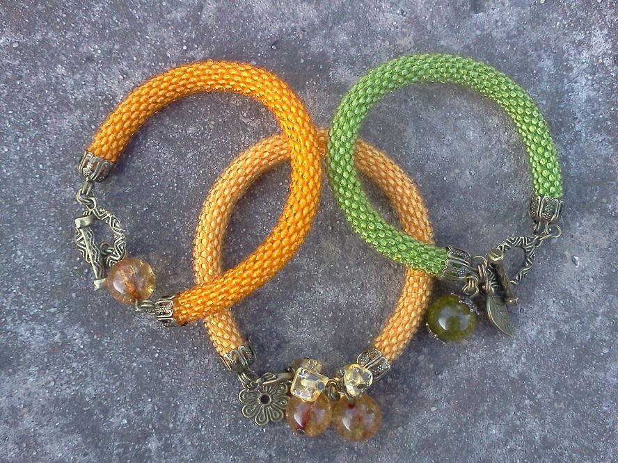 Желтый браслет-жгут из бисера, связан крючком.  Чешский бисер, металлическая фурнитура, застежка - тоггл, бусина из...