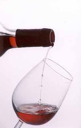 Книга научит делать любые алькогольные напитки.