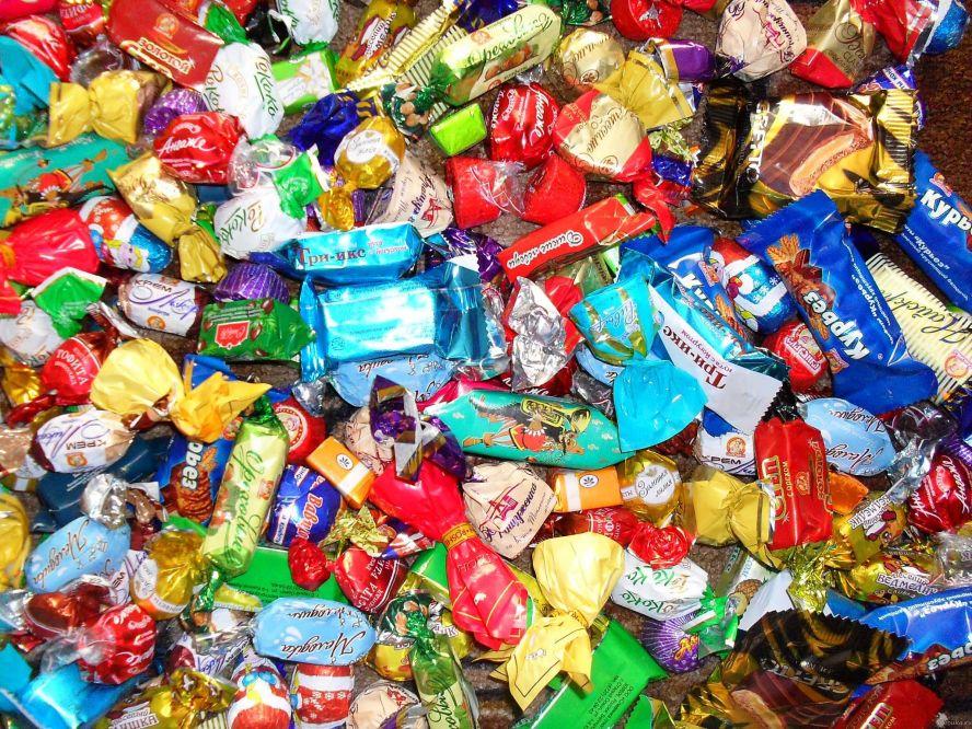 Картинки по запросу куча конфет