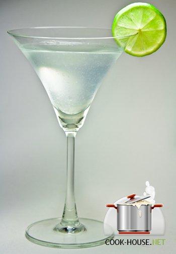 """Чтобы приготовить коктейль  """"Дайкири """" вам потребуется."""
