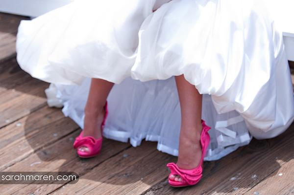 Туфли к розово-белому платью