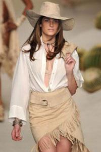 Кантри старается передать в одежде дух настоящего Дикого Запада.