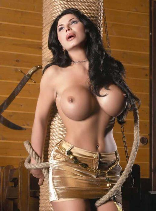 Ирен феррари в жопу, девушки с разными размерами грудей