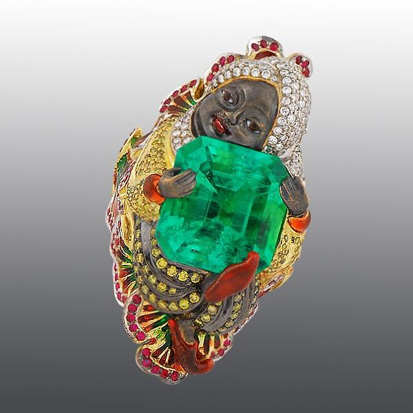 Перстень в восточном стиле с изумрудом в 10 карат