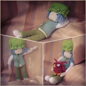 кукла в одежде для сна