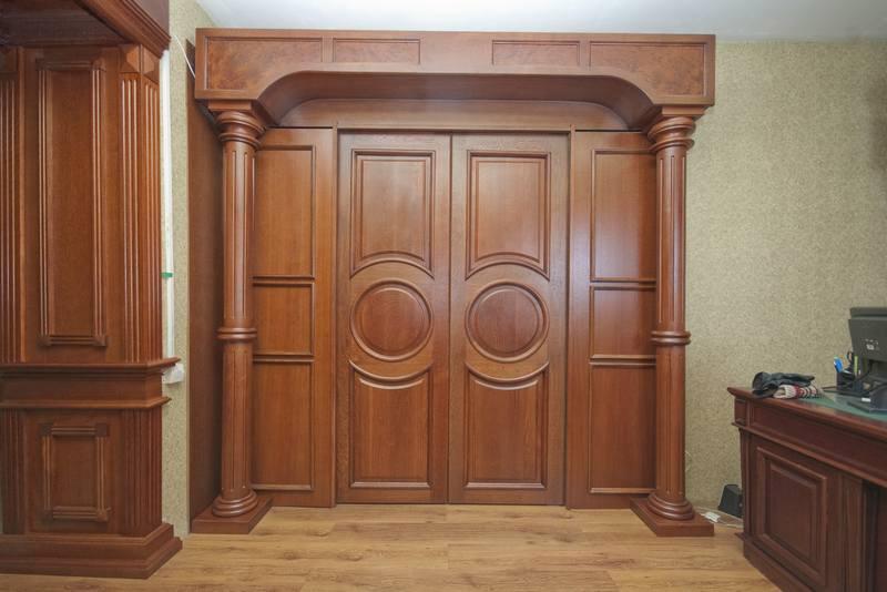 Это прочное и... Клен - однородная по плотности, твердая и прочная древесина, обладающая светло-желтым оттенком.