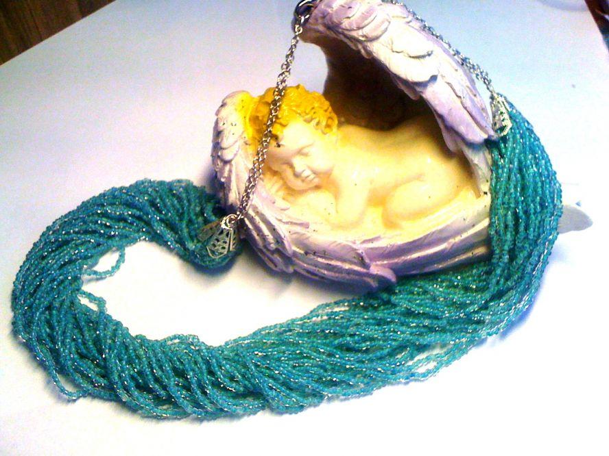 Колье плетеное из бисера цвета легкой морской волны.  Станет отличным аксессуаром на любой случай жизни.