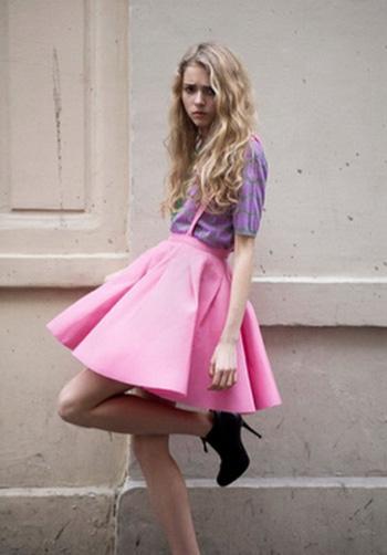 e2e40bbf1da08ed Наверное не все девушки смеют такого цвета одеть, тем не менее для такой  вещи нужно обладать идеальной фигурой или иметь свой собственный стиль, ...