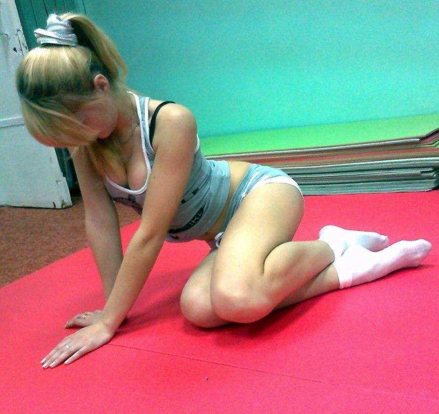 Девушка в коротких носках голая фото 60858 фотография