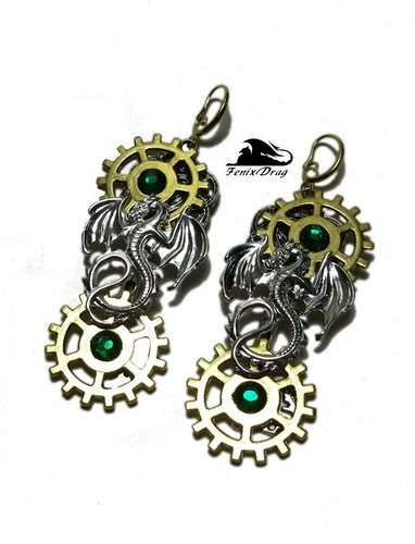 """Серьги стимпанк (steampunk) """"Драконы времени"""" с золотистыми шестеренками  покрытие серебром (посеребрение), металл, стразы  размер: 8*2,6 см"""