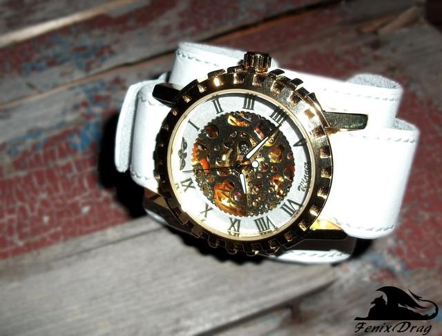 Наручные механические часы на широком ремешке из белой кожи `Lestanta` в стиле Стимпанк / Steampunk