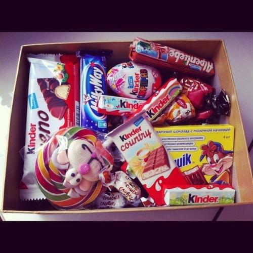 Коробка со сладостями в подарок своими руками