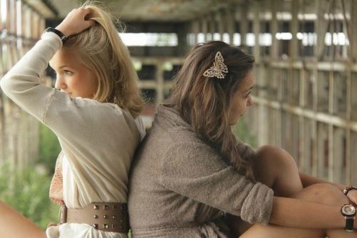Русские девочки наслаждаются анально