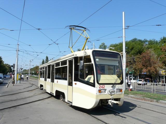 В Новочеркасске выполнят ремонт участков трамвайного пути № 2