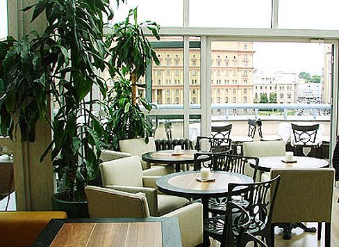 В ресторане Loft превосходный вид на Лубянскую...