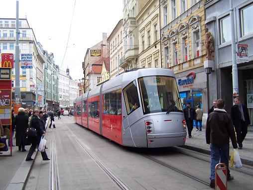 seks-v-v-ochen-tesnoy-tolpe-avtobusa-tramvaya-zhestkiy-seks-igrushkoy-smotret-onlayn
