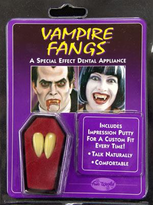 Как сделать зубы вампира своими руками