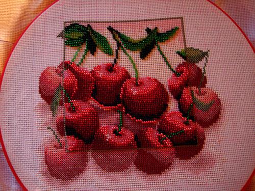 вышивка крест + бисер вишни