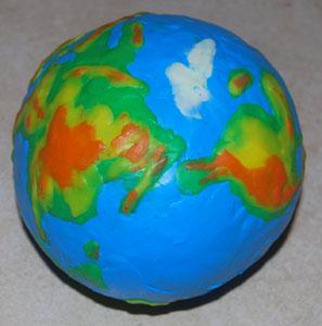 модель земли пластилином