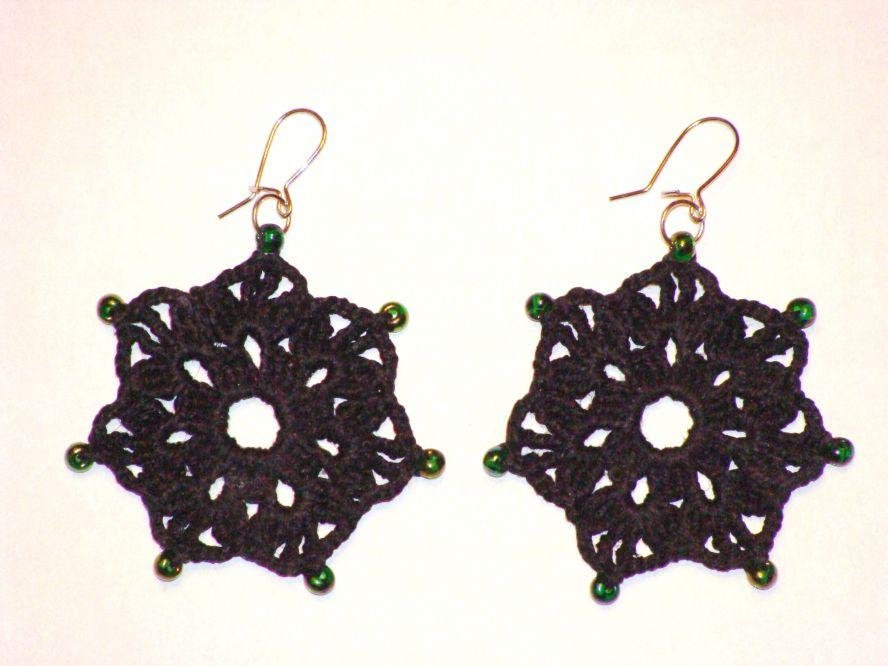 Вязаные сережки 2013 Модное вязание крючком и спицами, модели с подиума с описанием, схемы вязания крючком и.