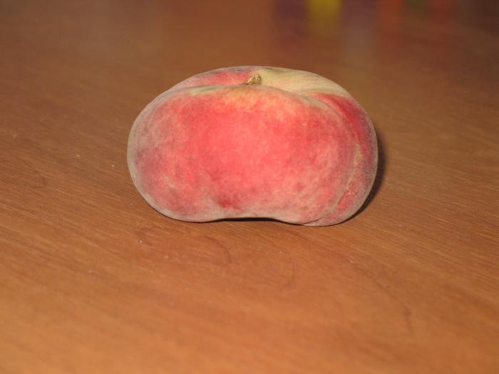 Персик-инжир, а вы такое видали?