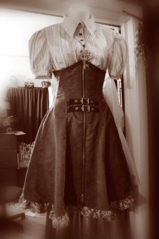девушки в легких старинных одеждах фото