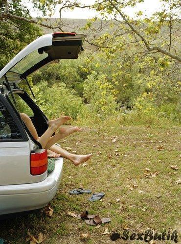 Секс в машине.