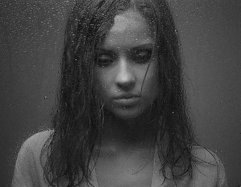 картинки девушек в слезах