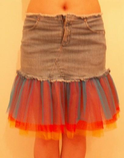 Джинсовая юбка, переделанная моей мамой.
