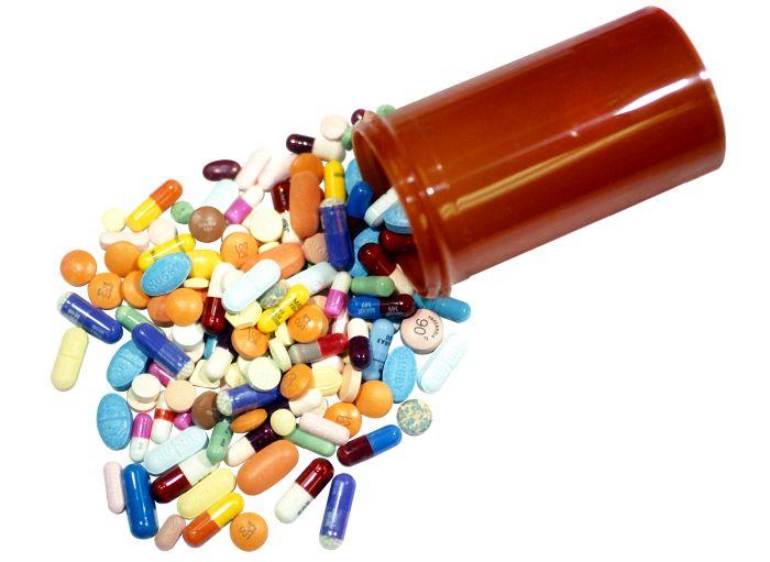 И их принято лечить...  Существуют лекарства для животных.  А для насекомых есть?